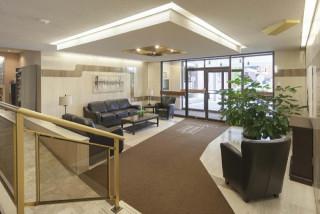 Disp. Aou  Tres beau  5 1/2 Pointe-Claire Appartements Lanthier Royal