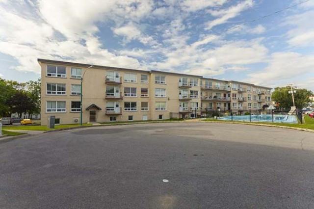 Cite universitaire bon deal 3 1 2 disponible en juillet for Louer un appartement meuble a montreal